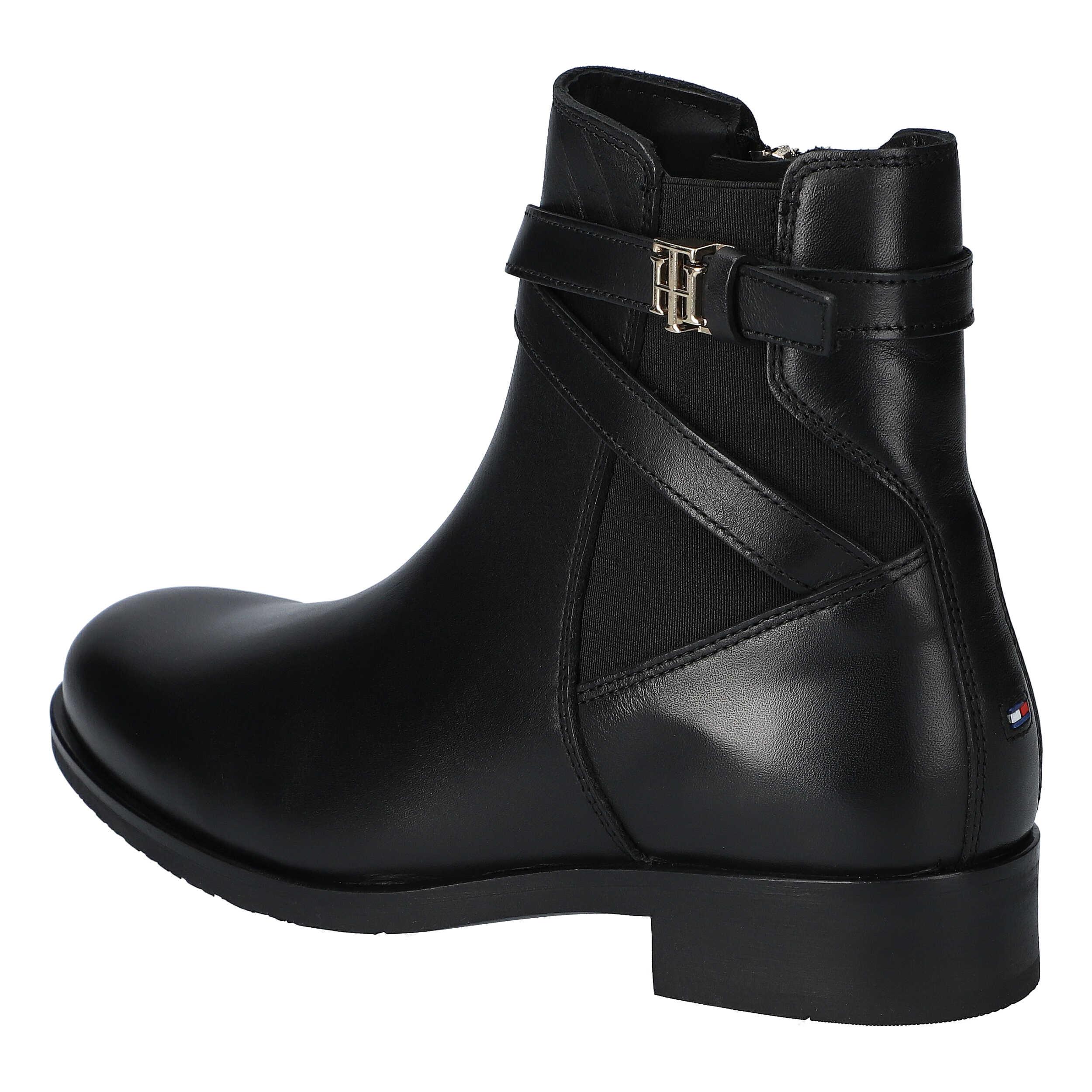 TH Hardware On Belt Flat Boot